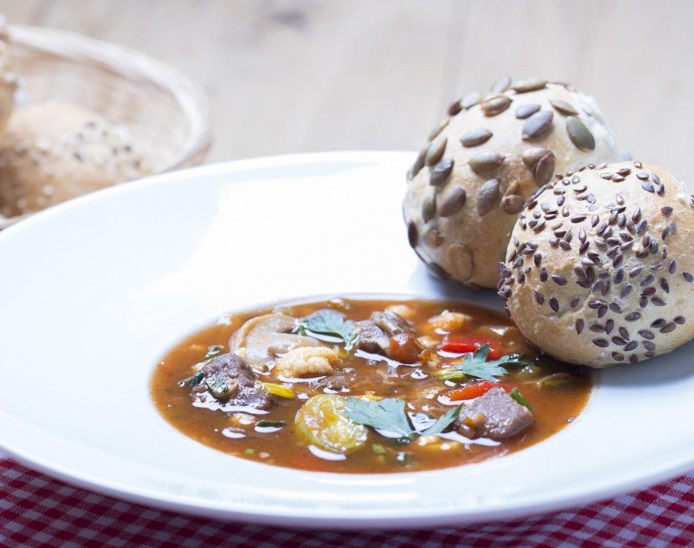Hongaarse goulash soep